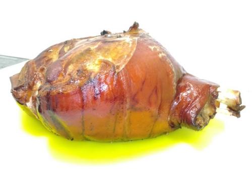 Копченый свиной окорок на кости