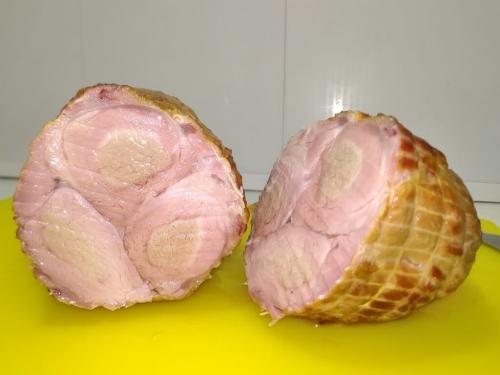Копченый мясной батон из свиной вырезки